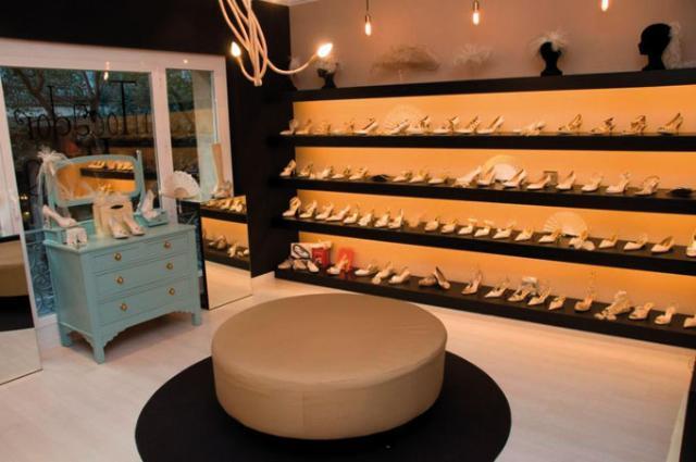 estantería mueble paraban piel cuero encaje raso seda