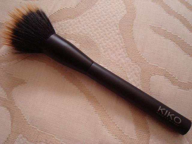 brochas maquillaje, brocha base de maquillaje, herramientas de maquillaje