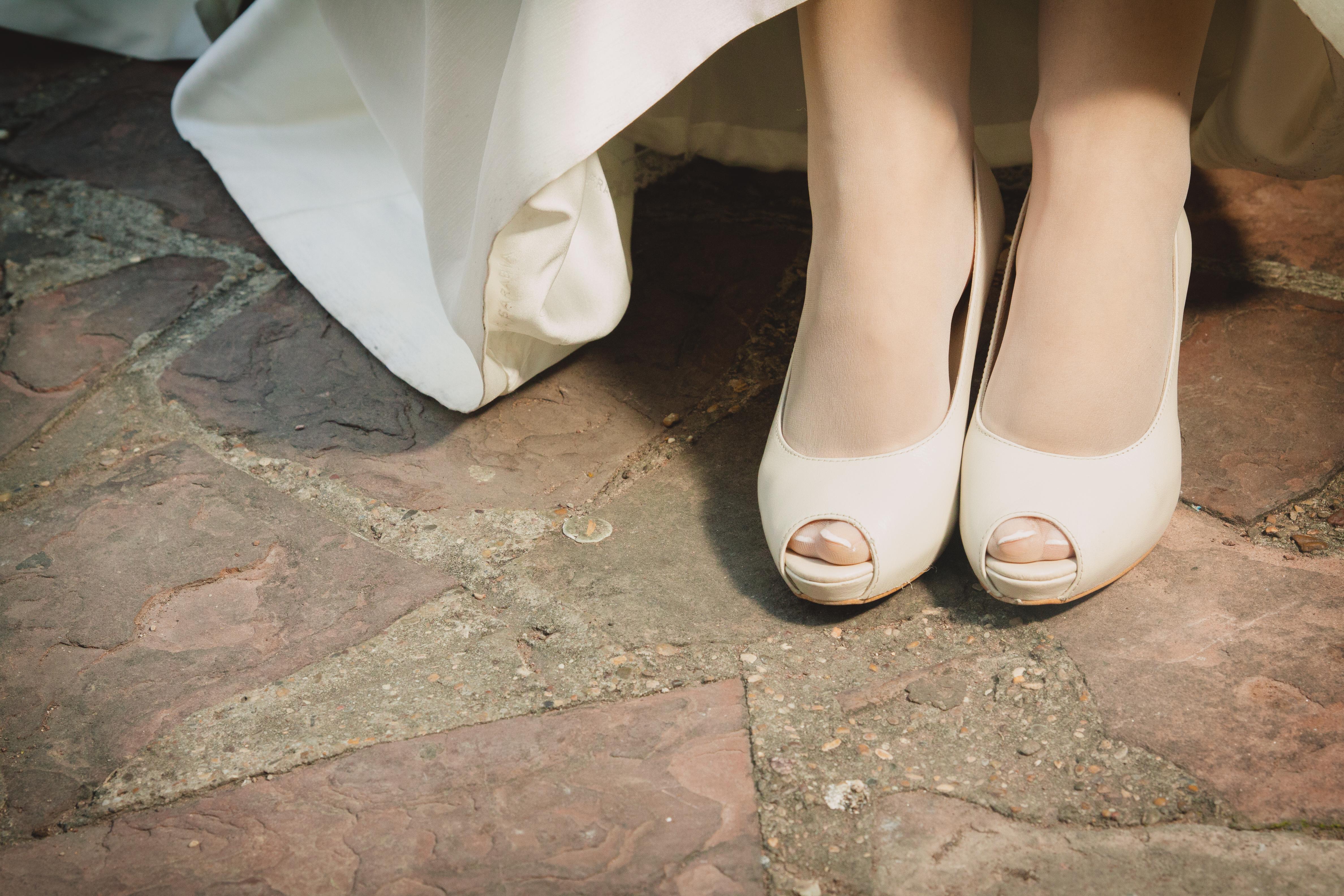 Mis zapatos de novia Imagen vía Books Zaragoza Venus y su espejo